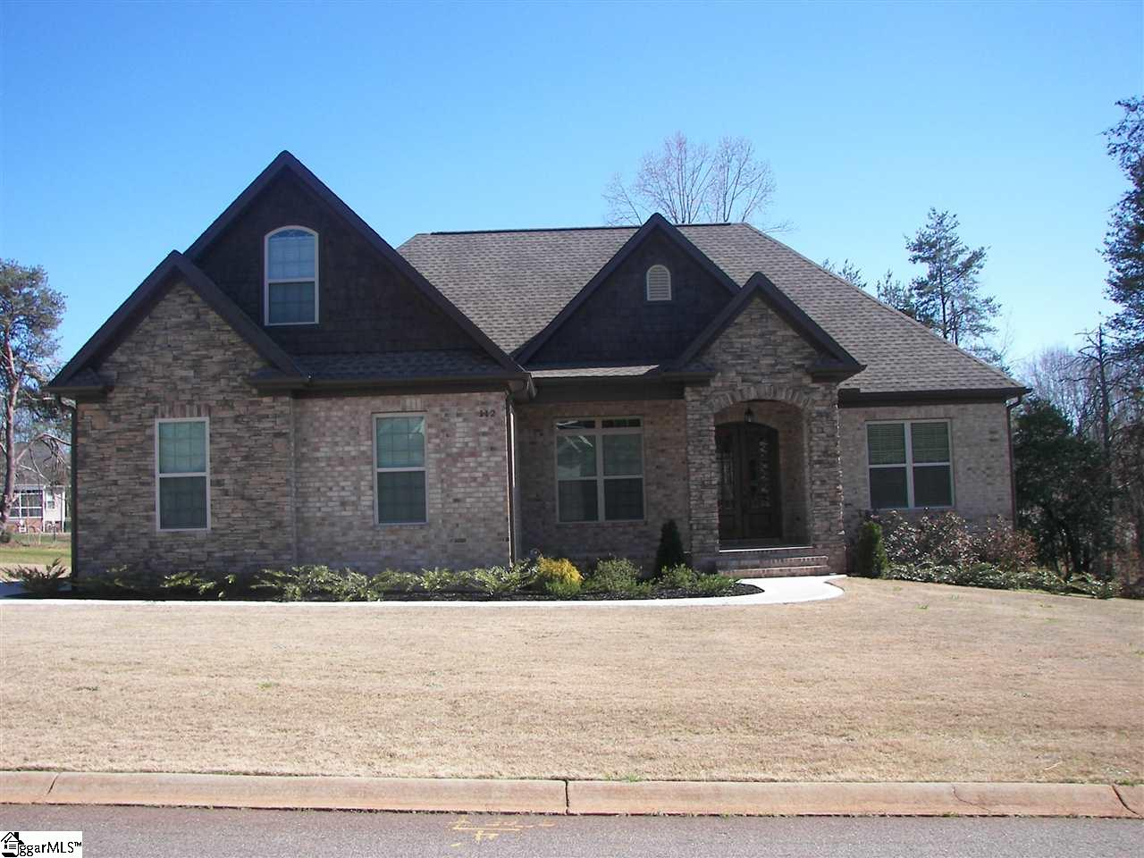 112 Rocky Water Pointe, Wellford, SC 29385