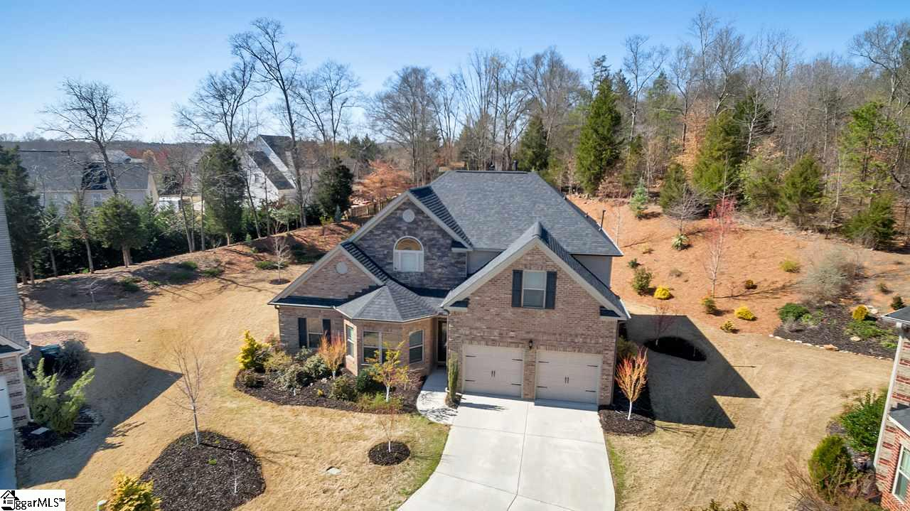 64 Governors Lake Way, Simpsonville, SC 29680