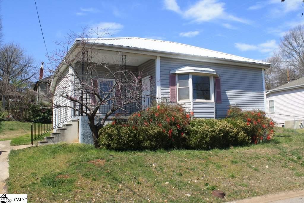 21 D Street, Greenville, SC 29611
