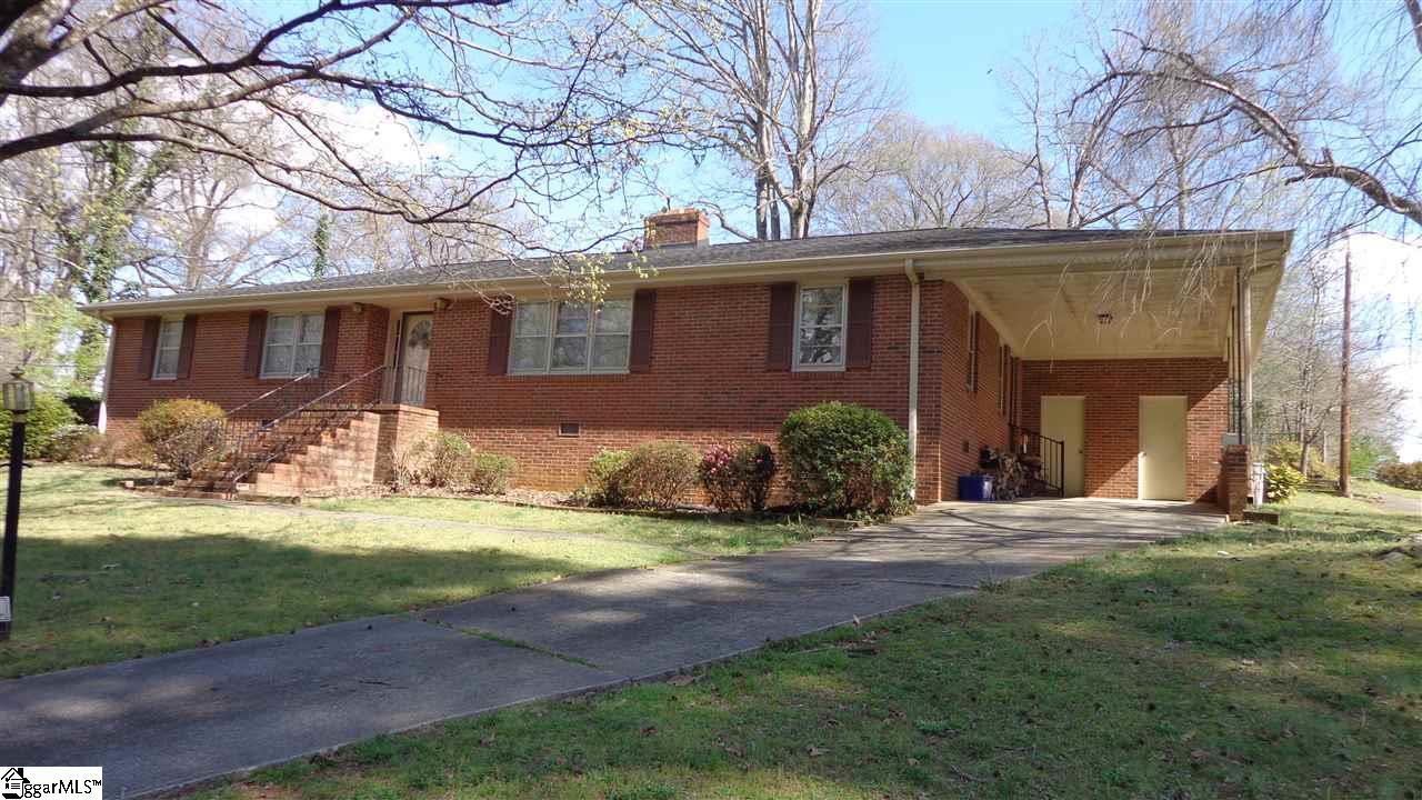 2 Pine Ridge Drive, Greenville, SC 29605