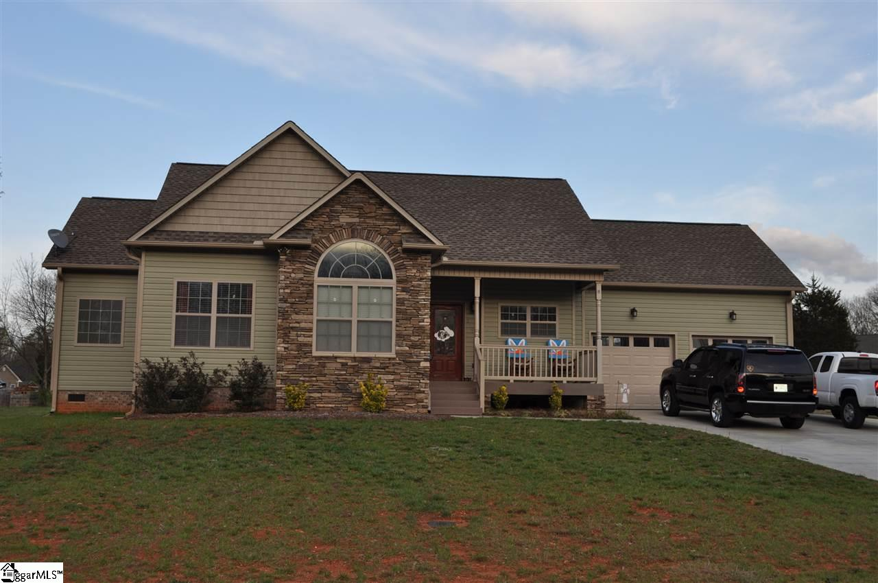 179 Eagle Ridge Drive, Chesnee, SC 29323