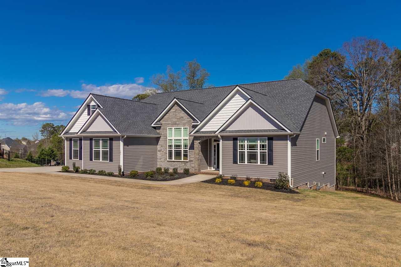 101 Creek Crossing Way, Greer, SC 29651