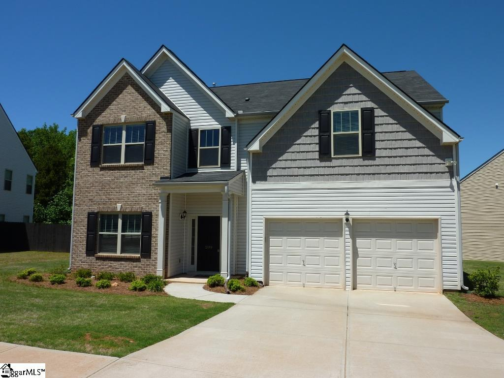 209 Lost Lake Drive, Simpsonville, SC 29681