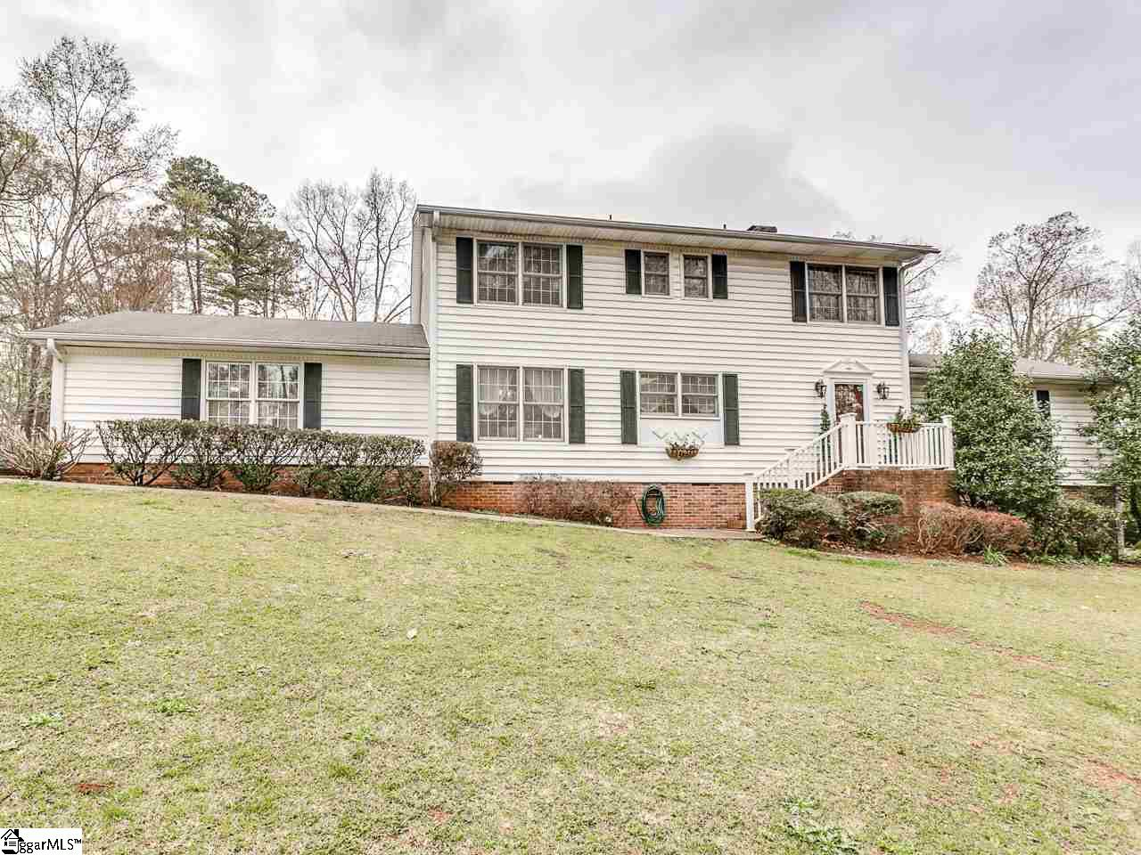 147 Sharcliff Road, Cowpens, SC 29330