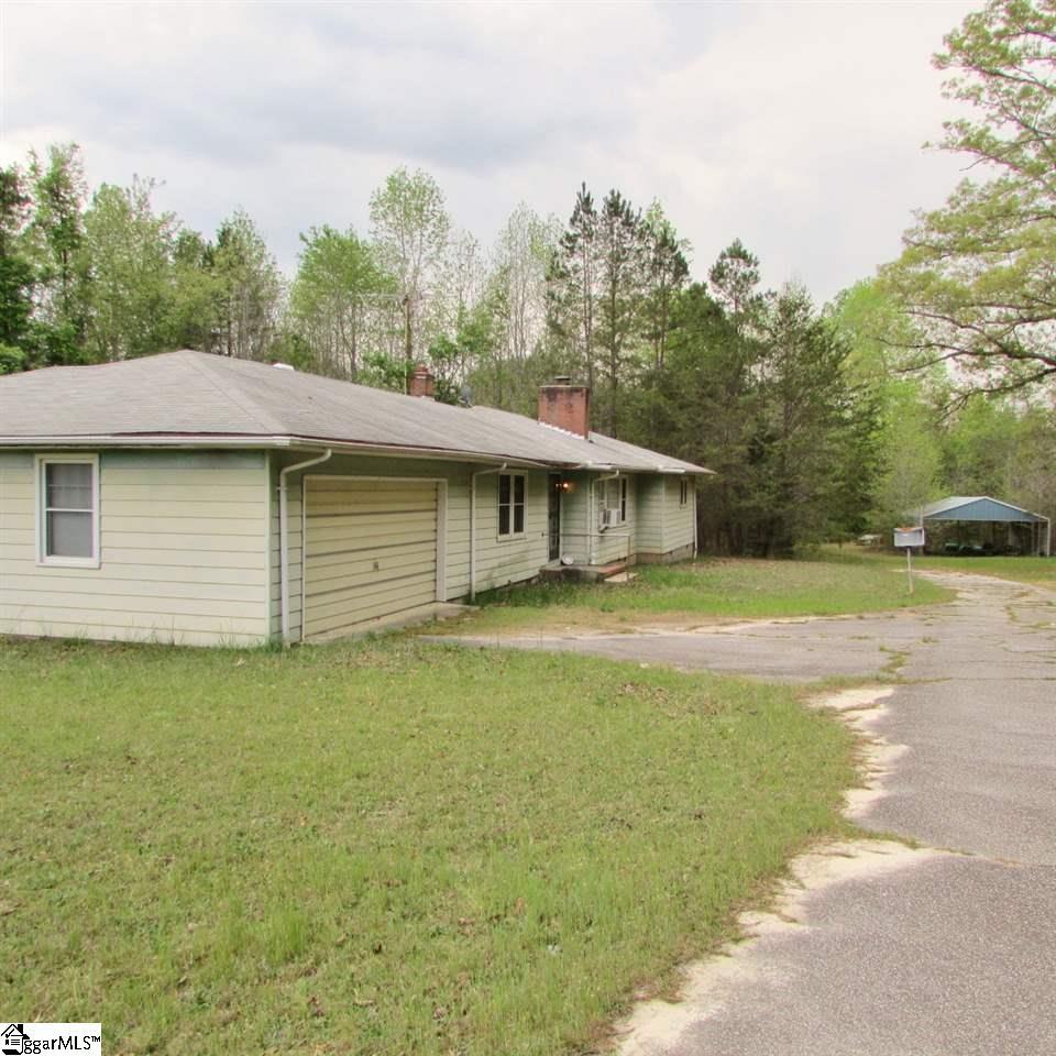 1520 Davis Road, Woodruff, SC 29388