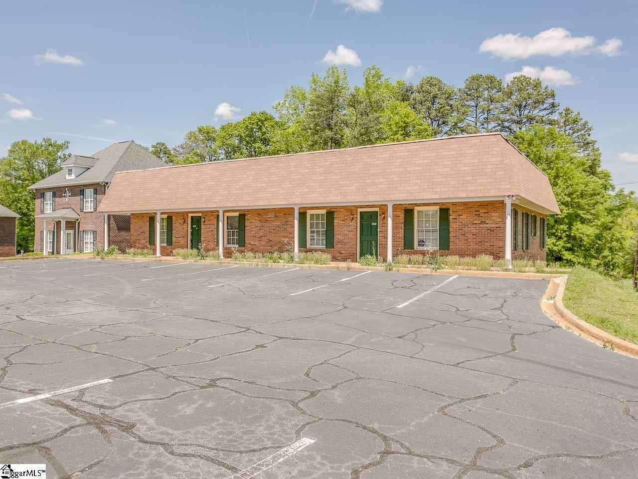 2001 S Pine, Spartanburg, SC 29302