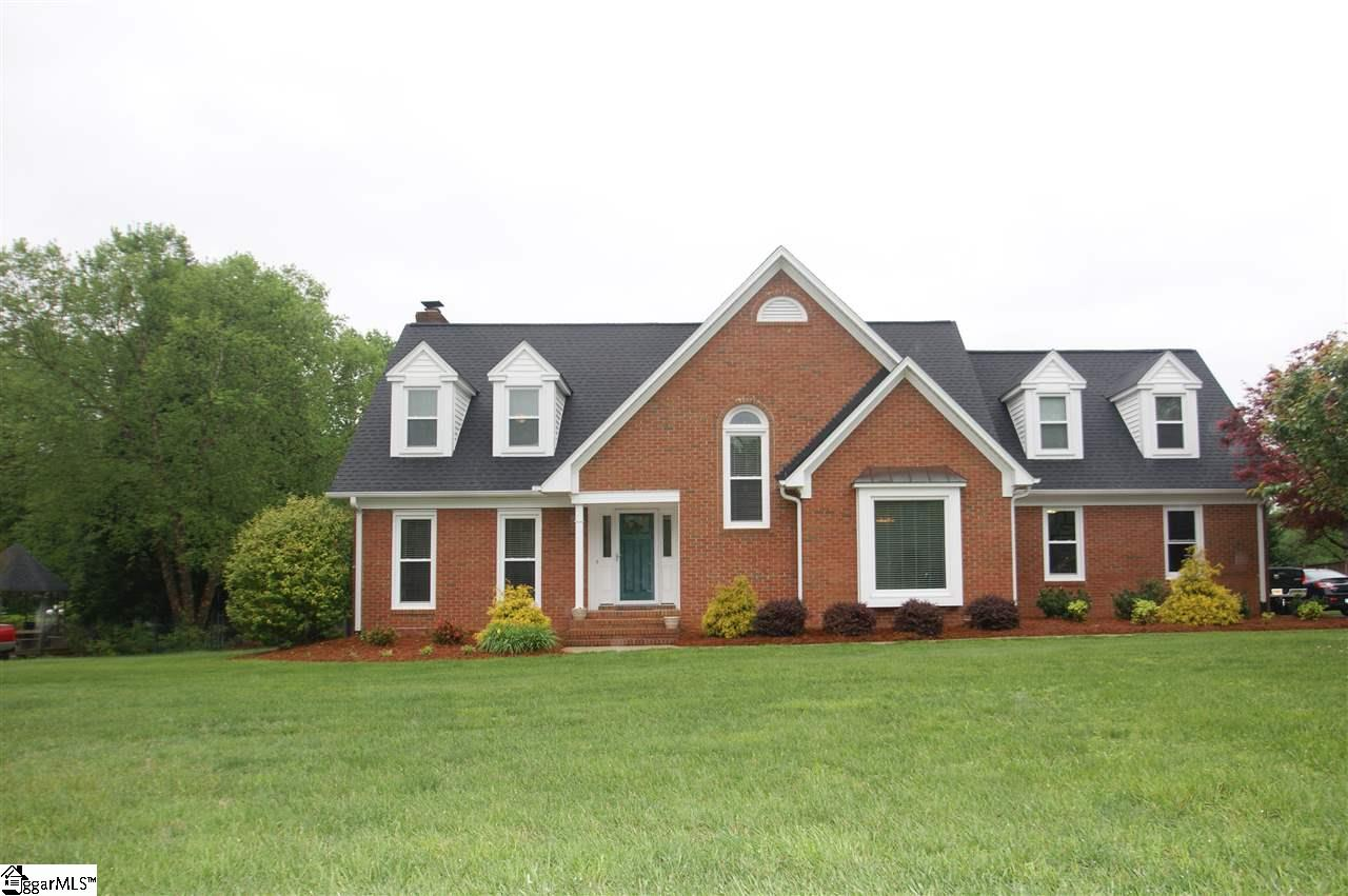 109 Country Side Lane, Simpsonville, SC 29681
