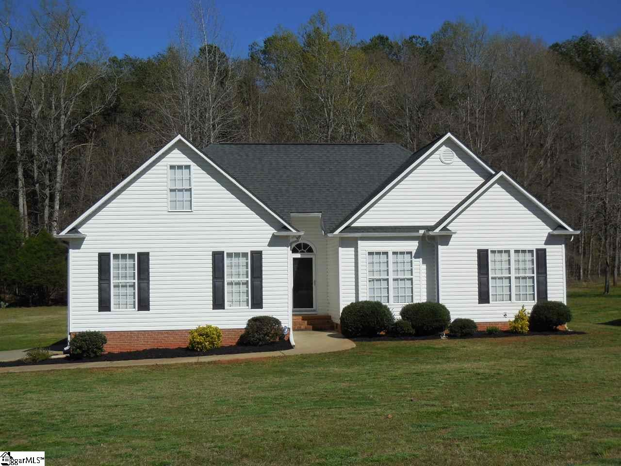 236 Orleans Drive, Wellford, SC 29385