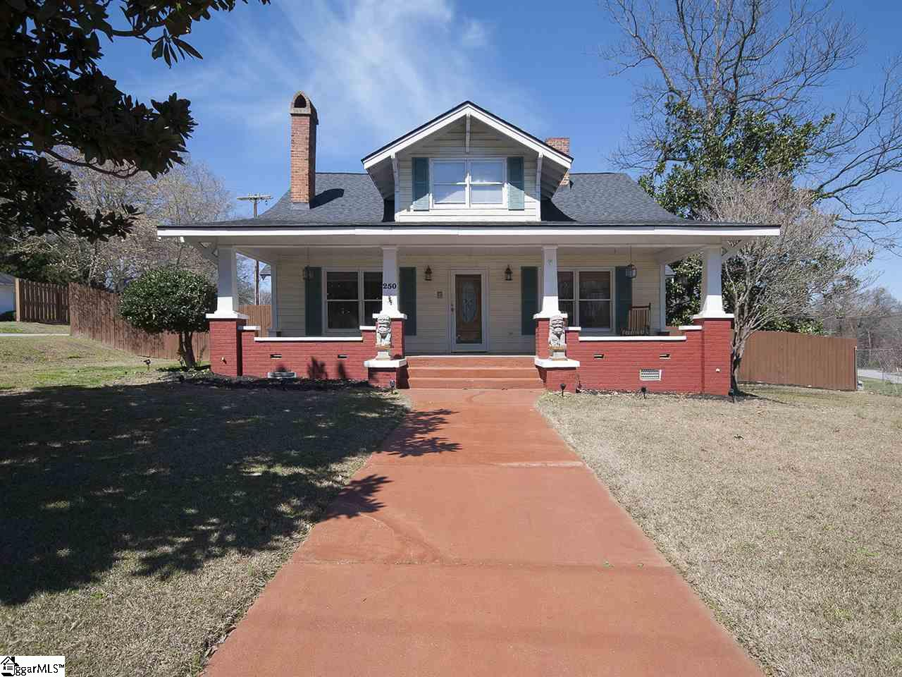 250 E Georgia Street, Woodruff, SC 29388