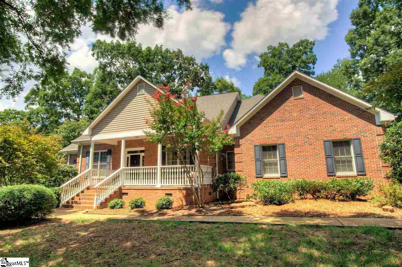 200 Glen Meadows Drive, Simpsonville, SC 29680
