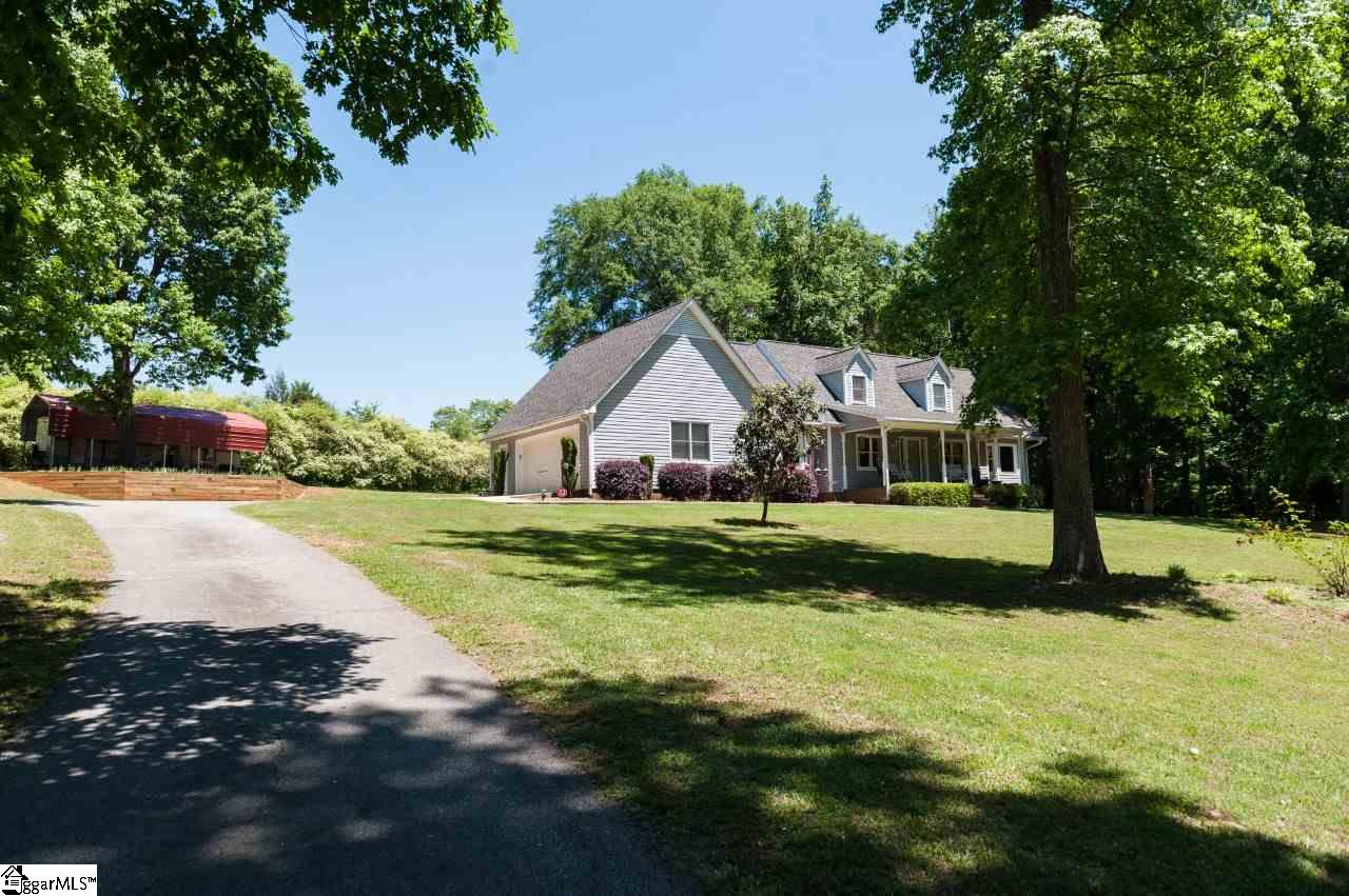 550 Chicken Foot Creek Road, Woodruff, SC 29388