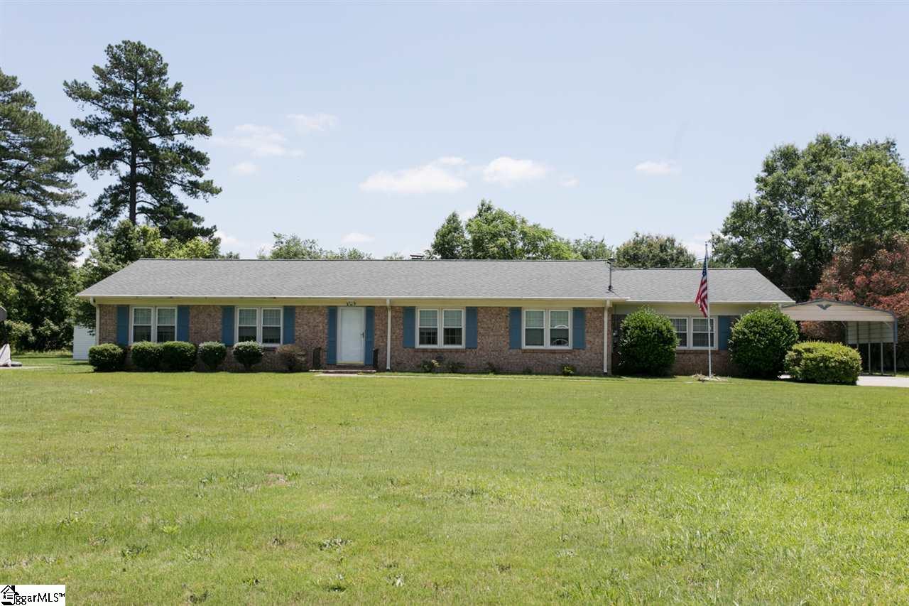 237 Peach Valley Drive, Spartanburg, SC 29303