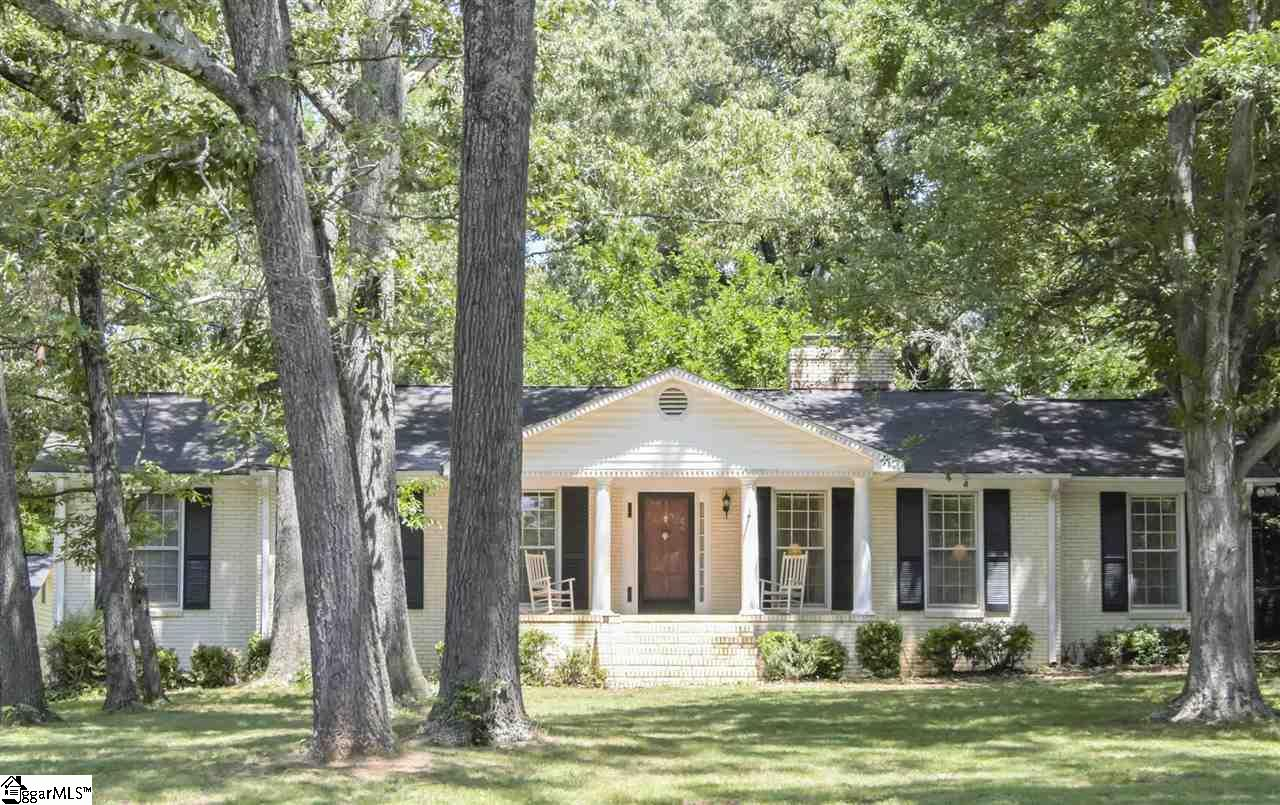 39 Clarendon Avenue, Greenville, SC 29609