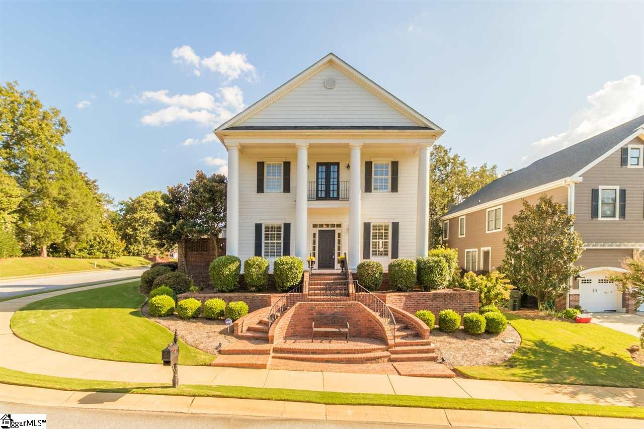 22 Lowther Hall, Greenville, SC 29615
