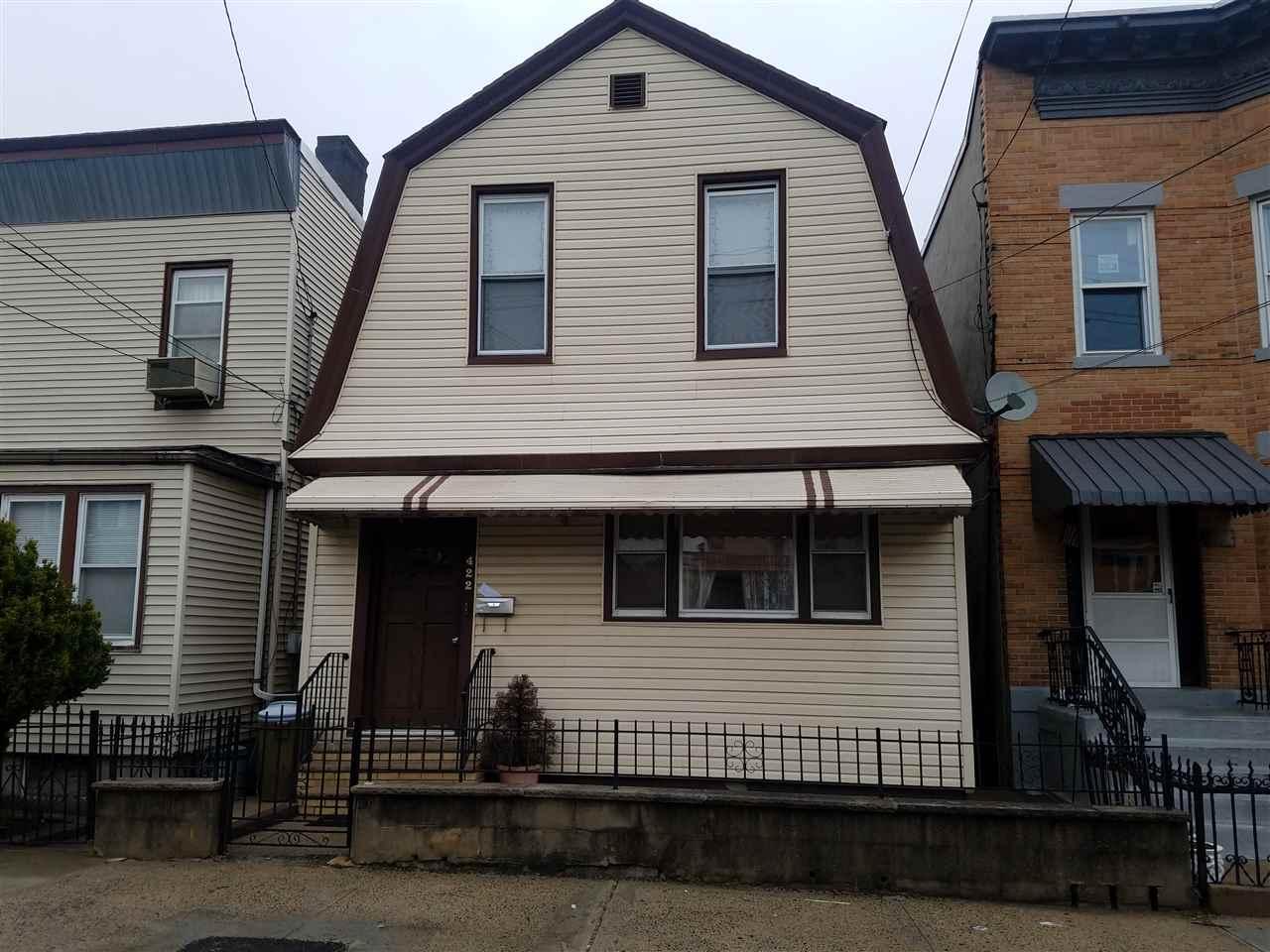 422 71ST ST, North Bergen, NJ 07047