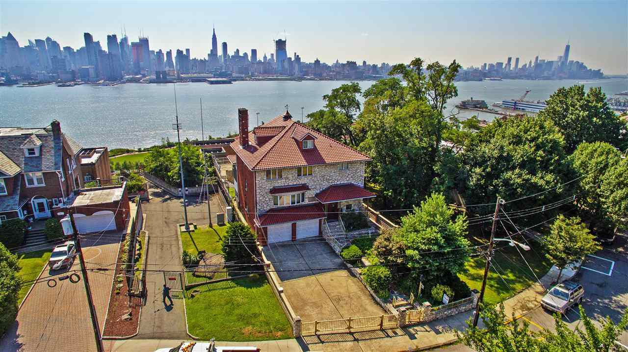 53-55 KINGSWOOD RD, Weehawken, NJ 07086