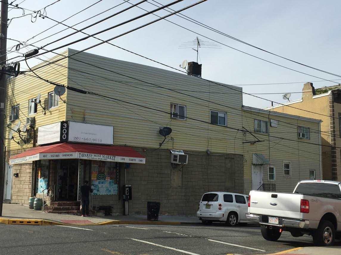 300 70TH ST, Guttenberg, NJ 07093