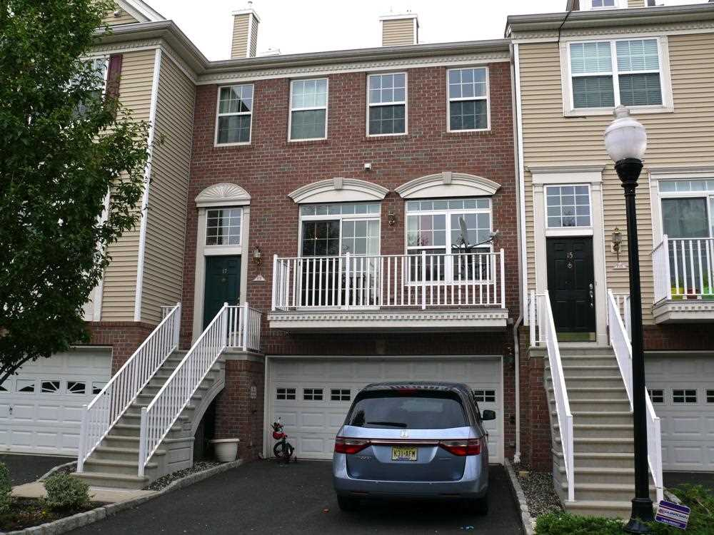 17 HUDSON CT TH, JC, West Bergen, NJ 07305