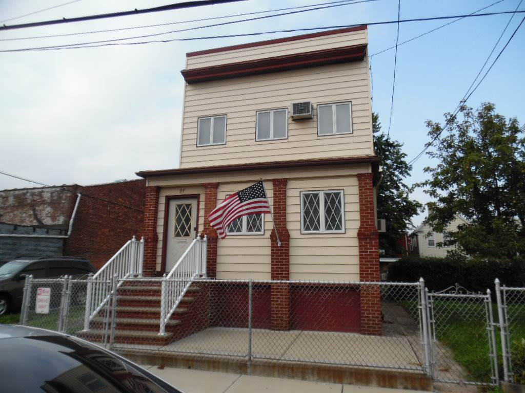 97 WEST 18TH ST, Bayonne, NJ 07002