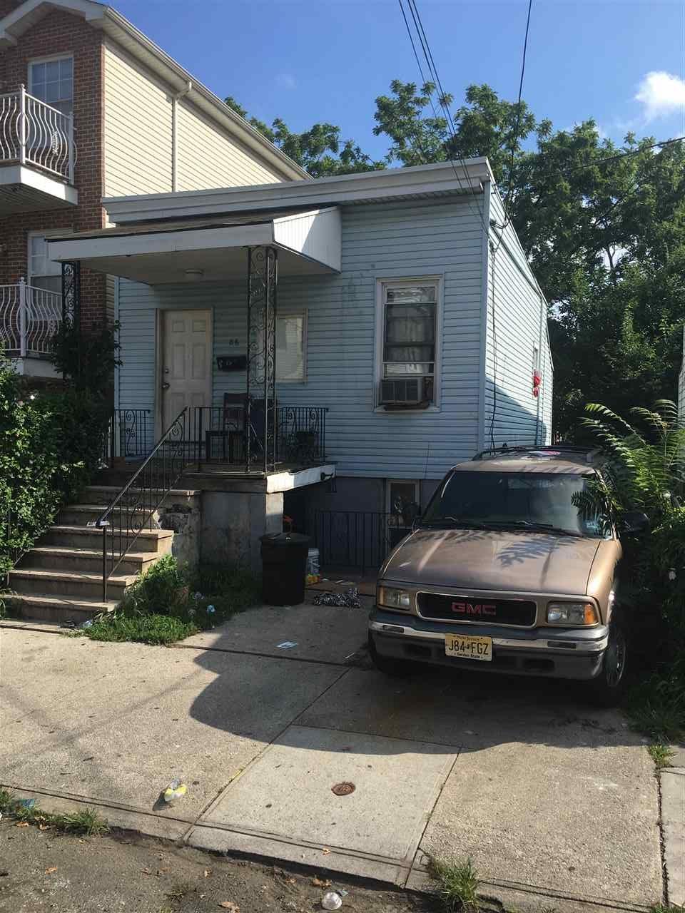 86 STEVENS AVE, JC, Greenville, NJ 07305