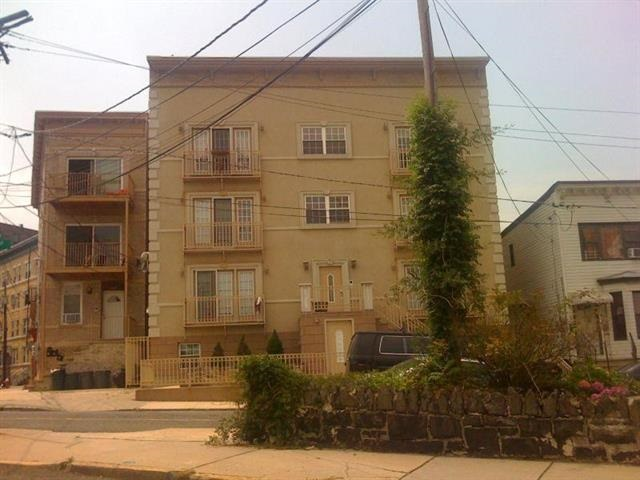 1703 CLIFF ST 1r, Union City, NJ 07087