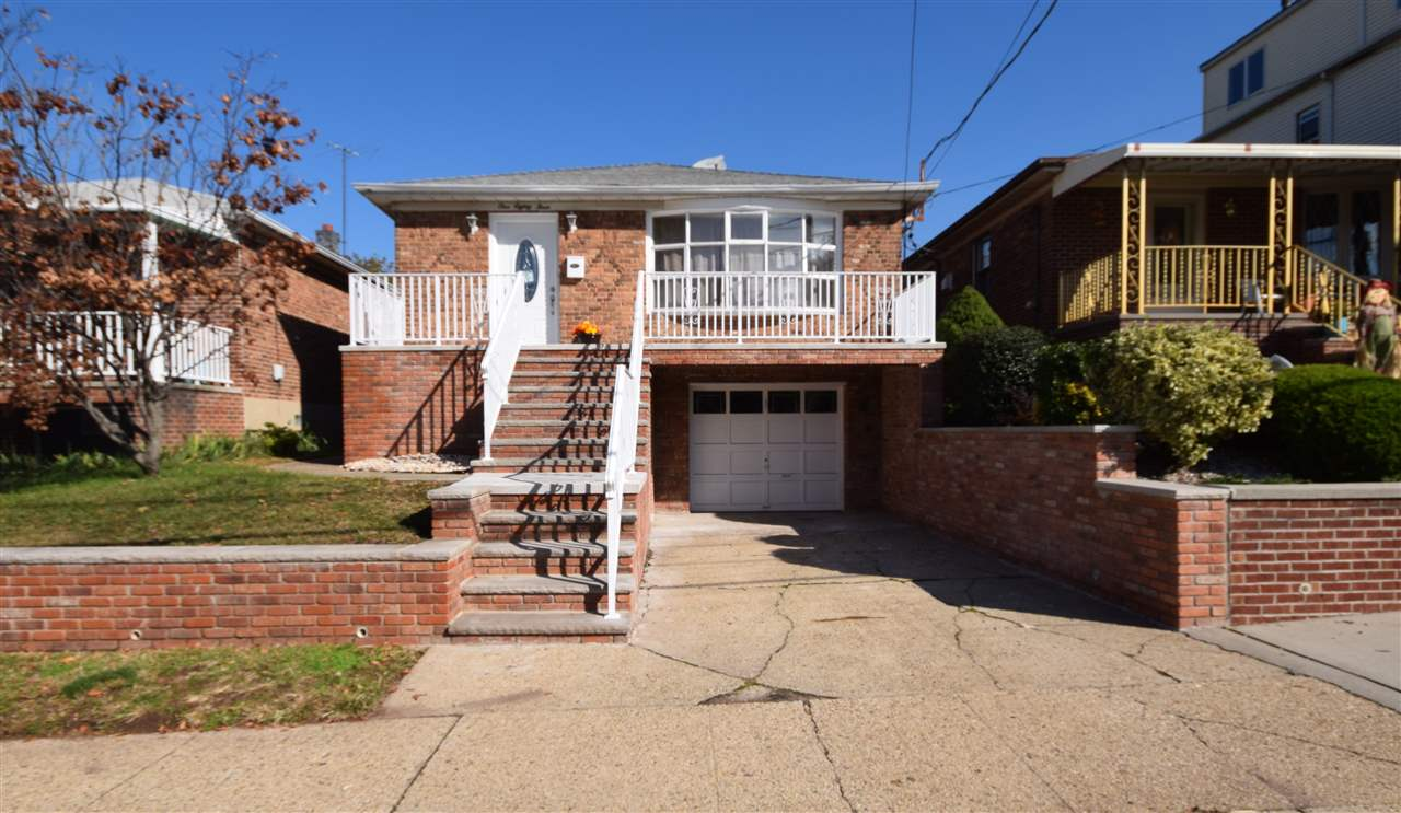 183 WEST 25TH ST, Bayonne, NJ 07002