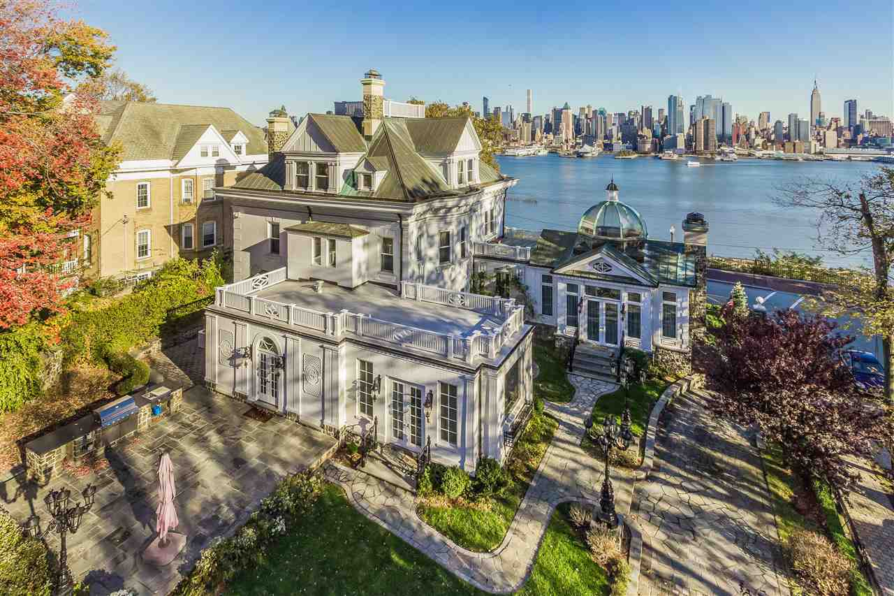 New jersey real estate douglas elliman for 22 river terrace ny ny