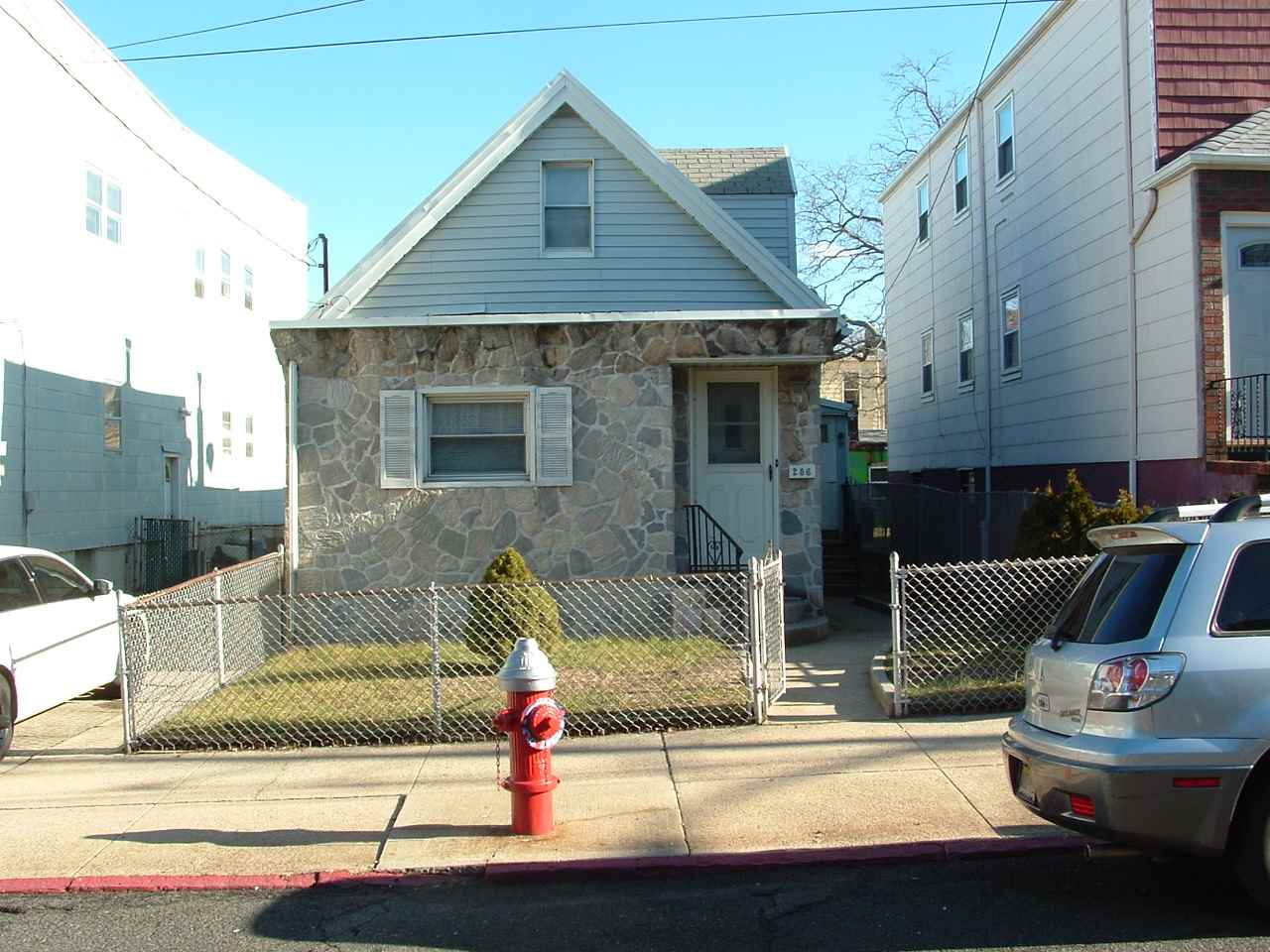 286 LINDEN AVE, JC, West Bergen, NJ 07305