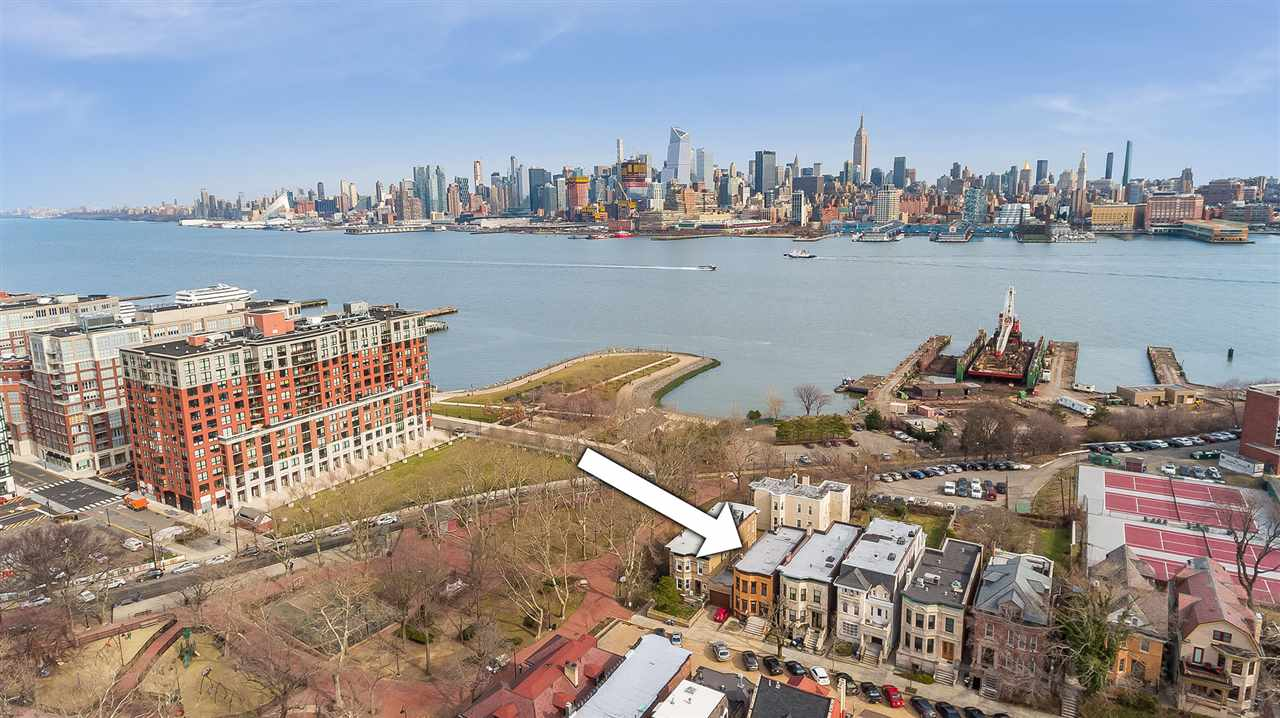 923 CASTLE POINT TERRACE, Hoboken, NJ 07030