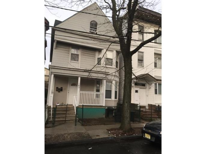197 3RD ST, Newark, NJ 07107