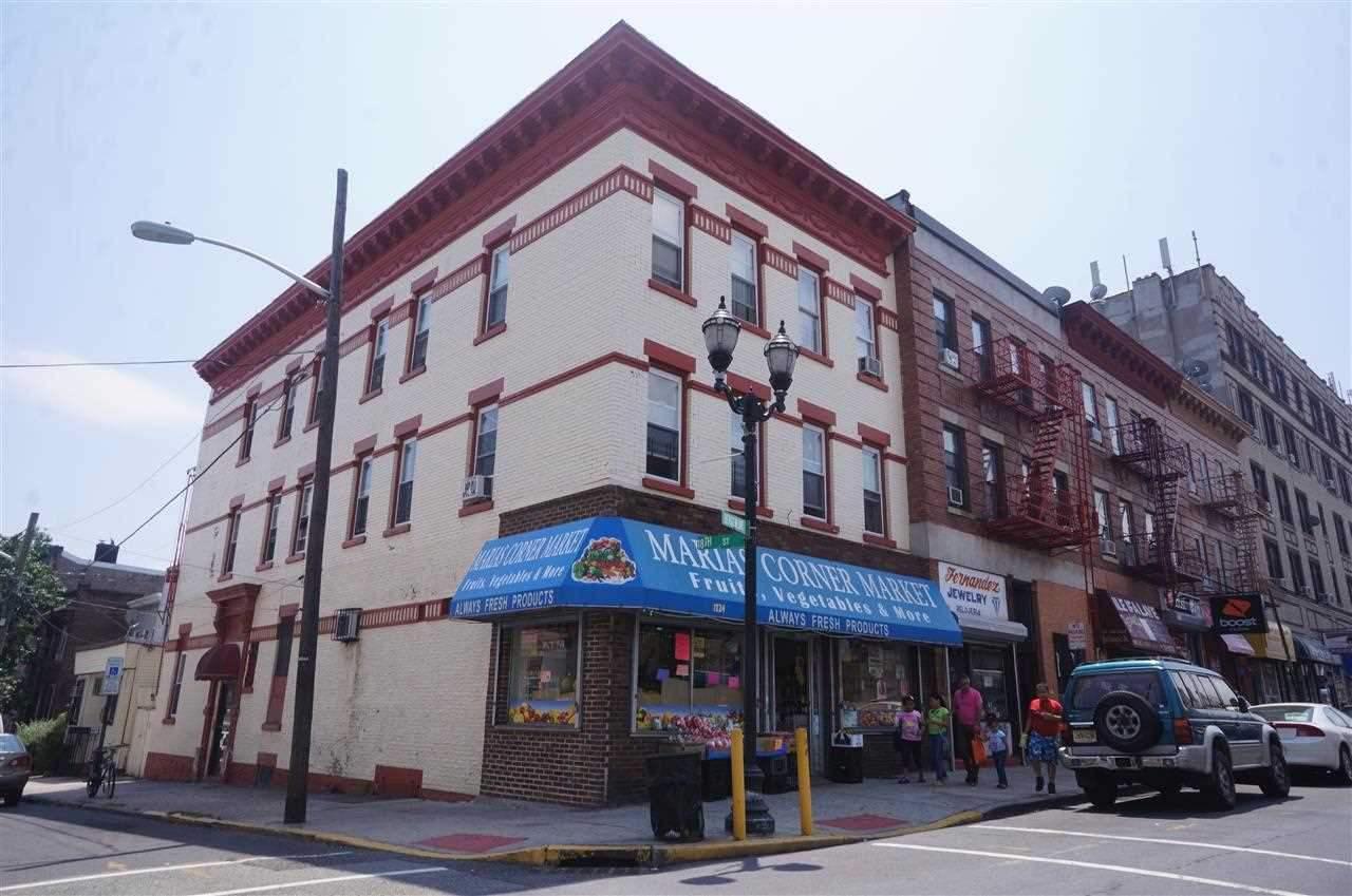1724 BERGENLINE AVE, Union City, NJ 07087