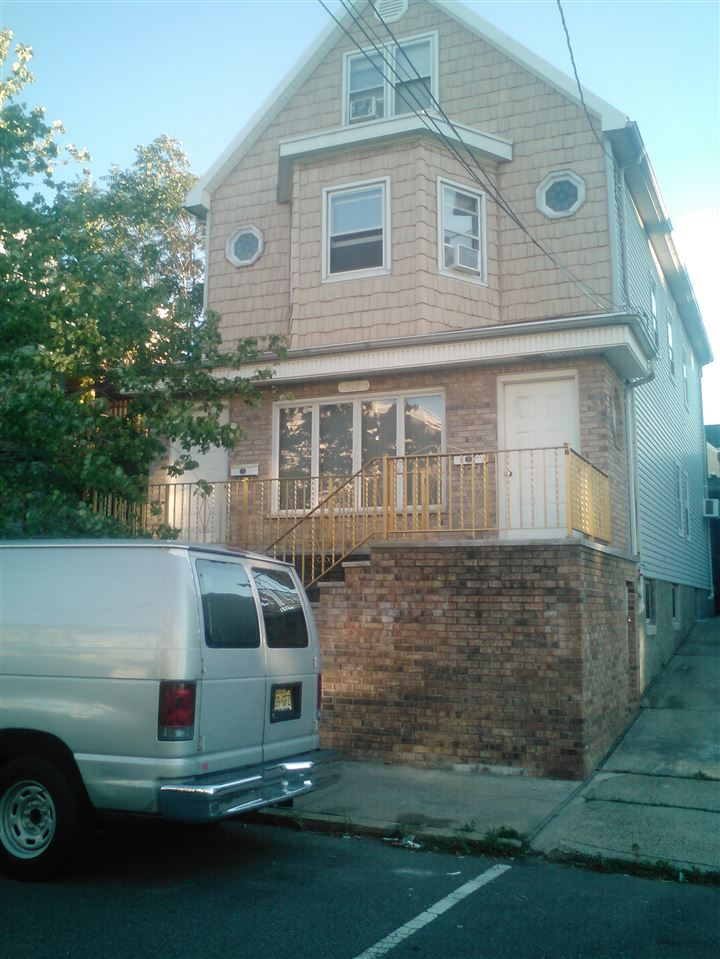 118 WEST 19TH ST, Bayonne, NJ 07002