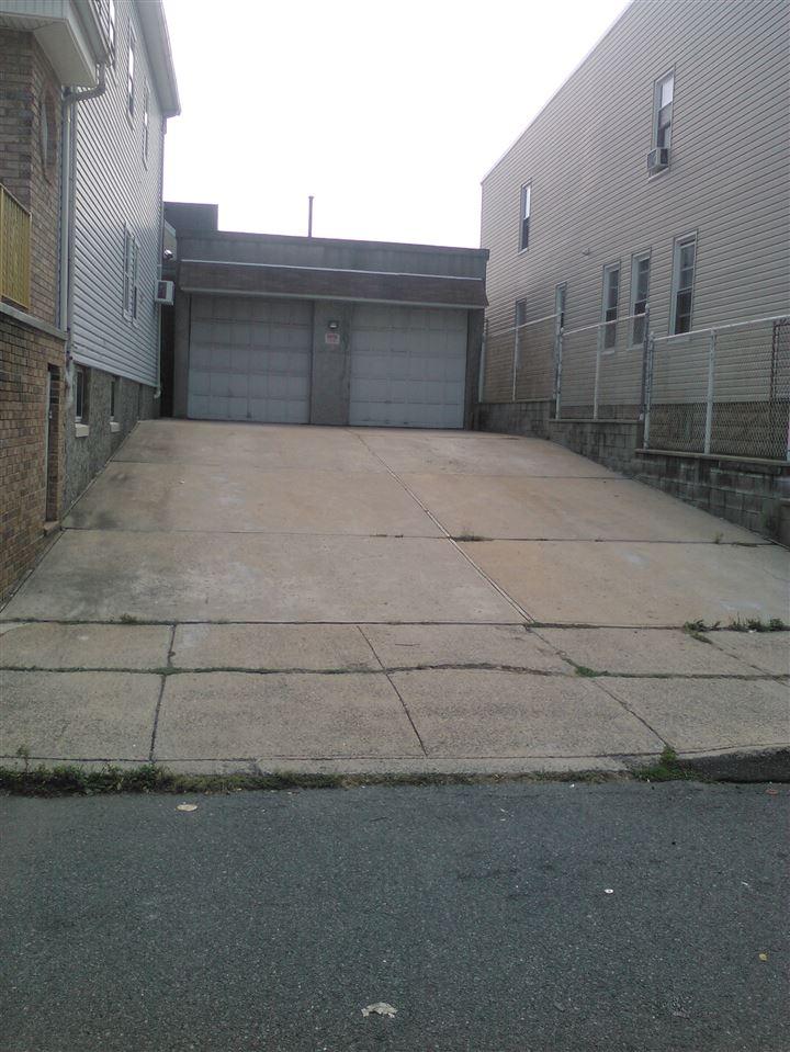 120 WEST 19TH ST, Bayonne, NJ 07002