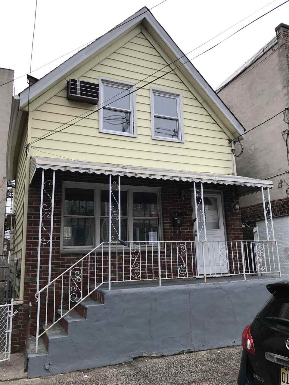 322 42ND ST, Union City, NJ 07087