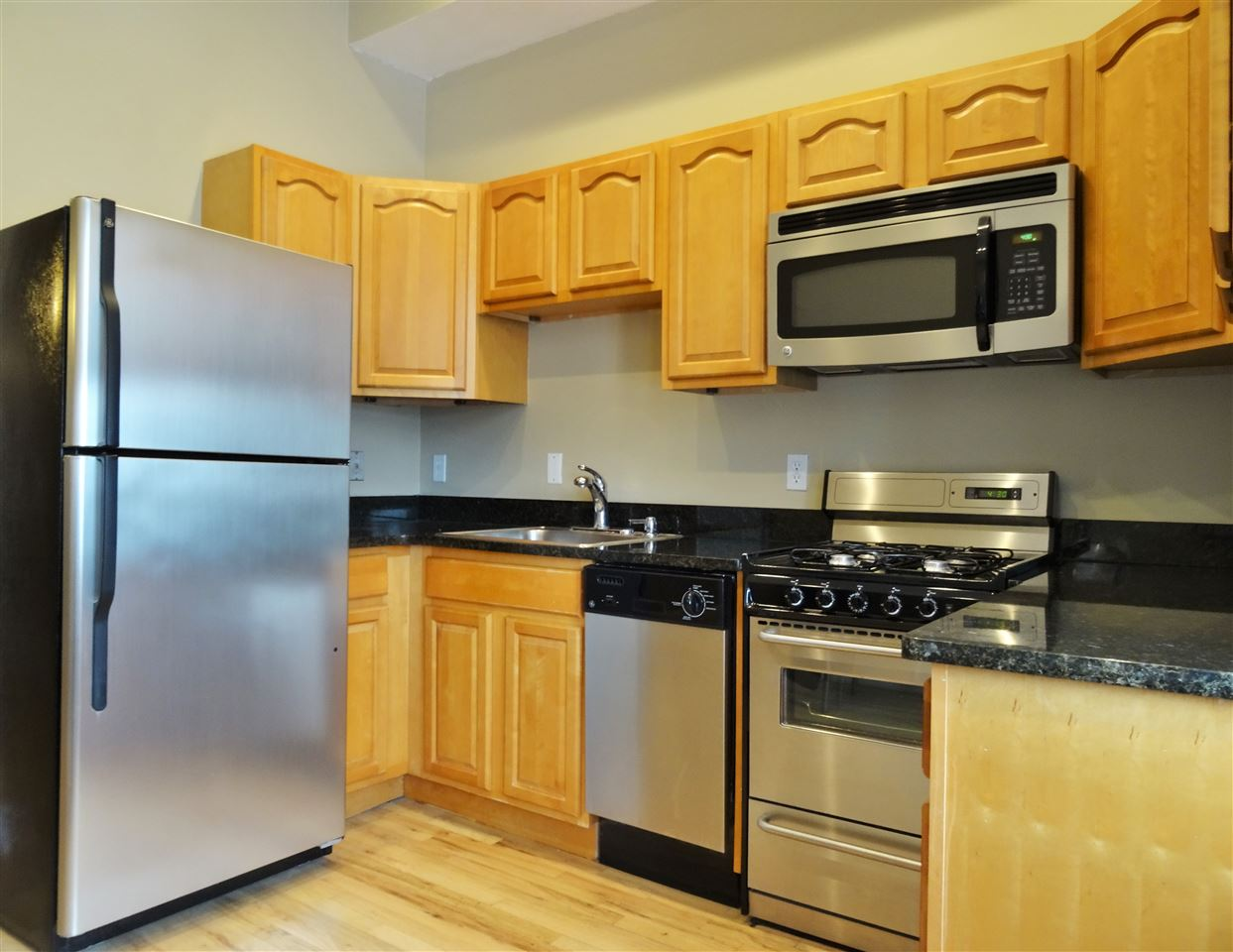 231 GRAND ST 5R, Hoboken, NJ 07030