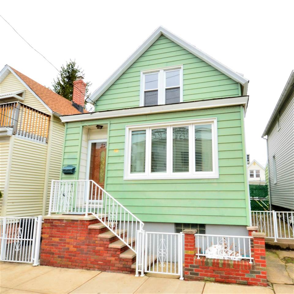 46 EAST 16TH ST, Bayonne, NJ 07002
