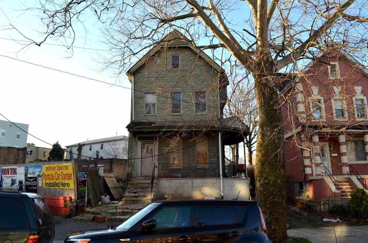 1768 KENNEDY BLVD, JC, West Bergen, NJ 07305