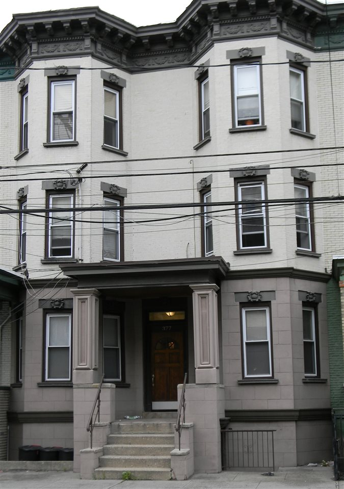 377 BALDWIN AVE 3B, JC, Journal Square, NJ 07306