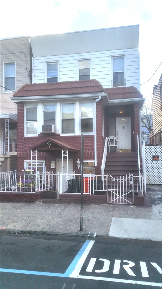 411 23RD ST, Union City, NJ 07087