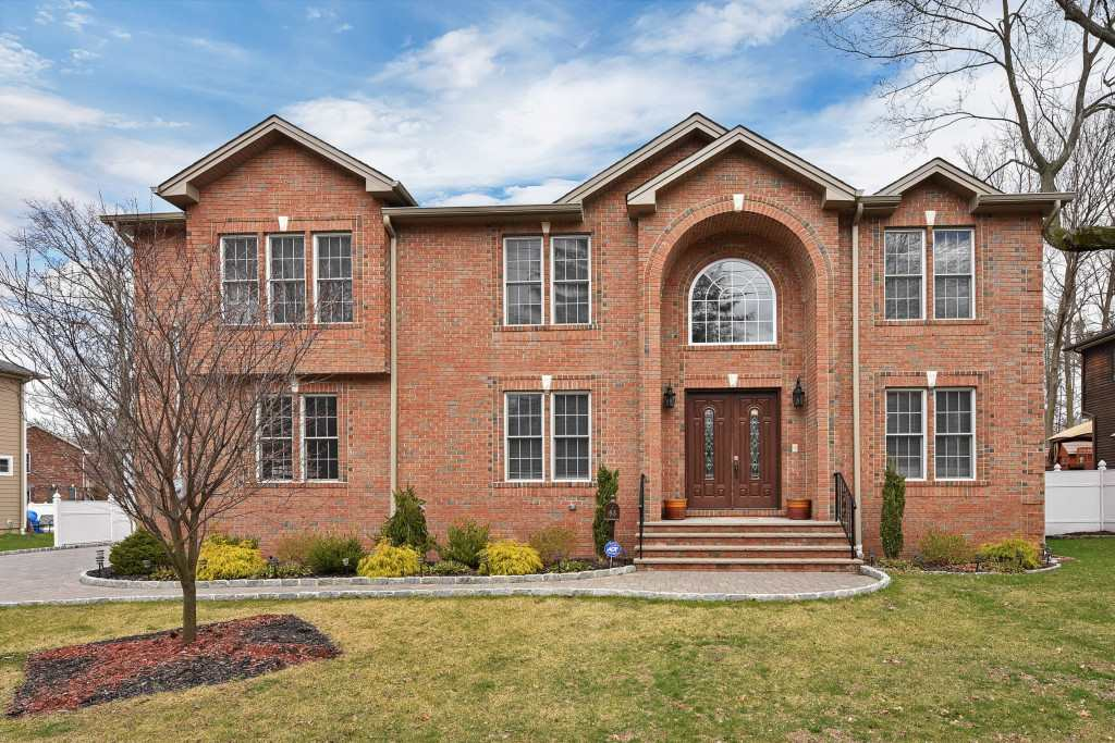 98 COUNTY RD, Demarest, NJ 07627