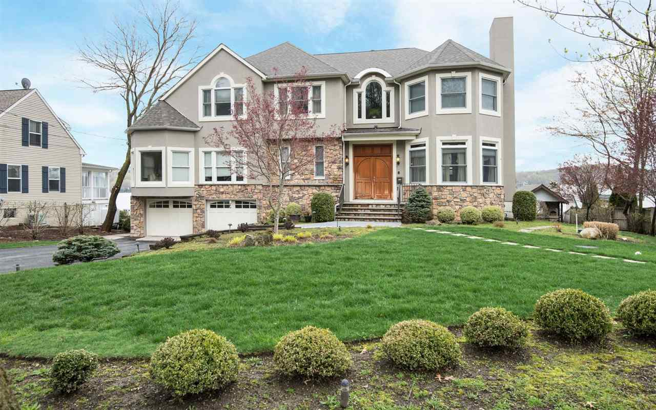 6 OAK PKWY, SPARTA, NJ 07871