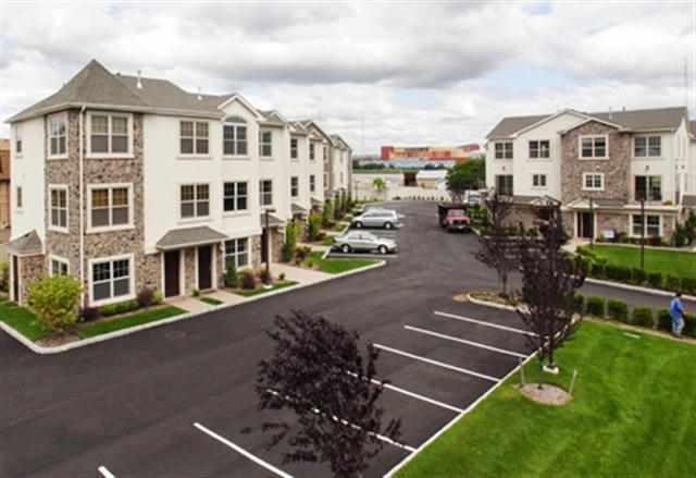 1625 PATERSON PLANK RD 1, Secaucus, NJ 07094