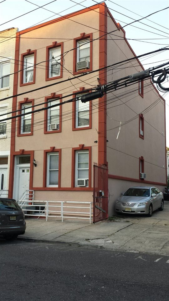 64 ZABRISKIE ST #3, JC, Heights, NJ 07307