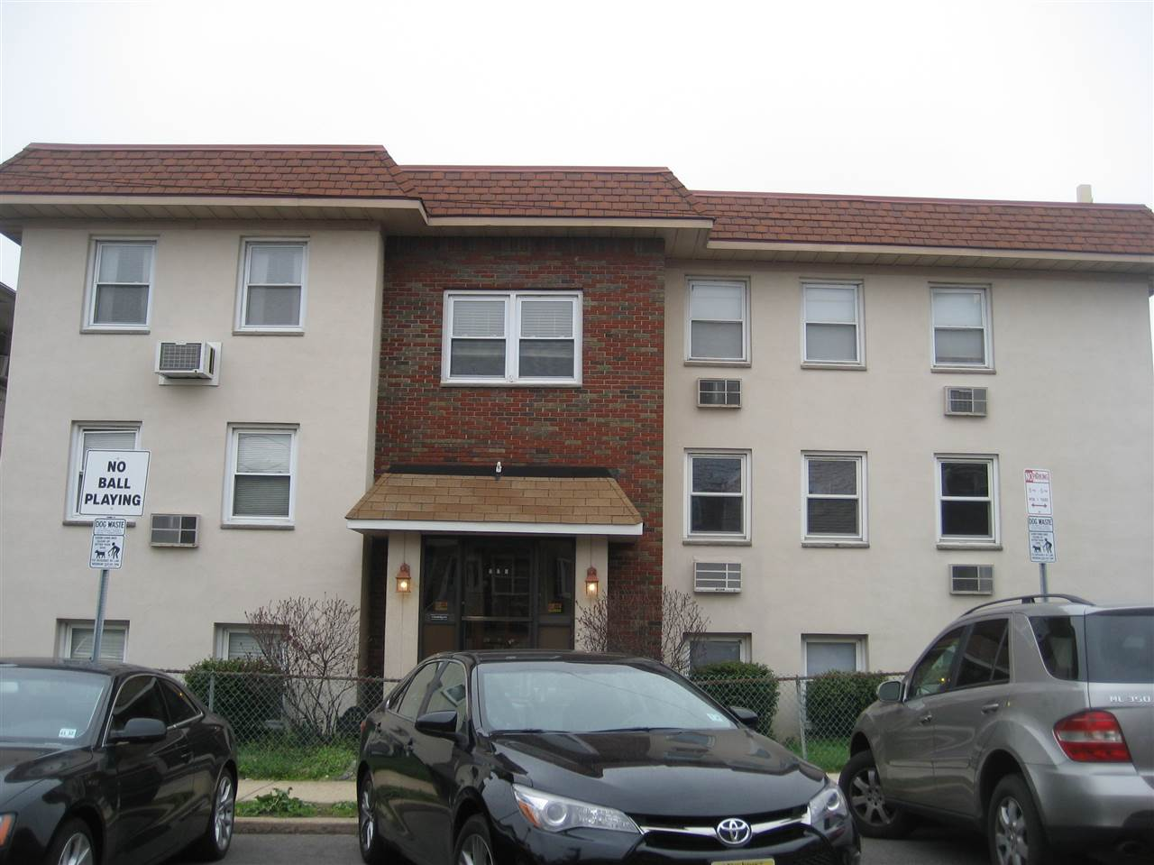 120 SUBURBIA TERRACE 9C, JC, West Bergen, NJ 07305