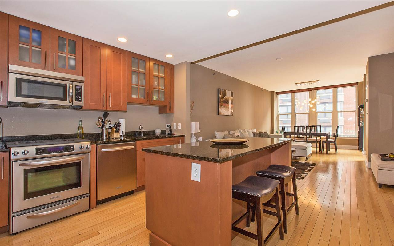 1125 MAXWELL LANE 816, Hoboken, NJ 07030