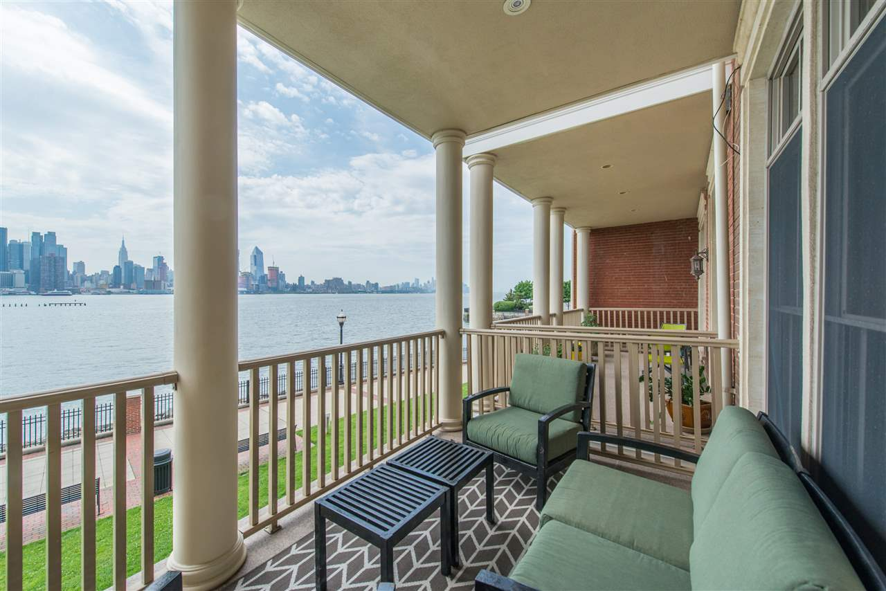 11 REGENCY PL, Weehawken, NJ 07086