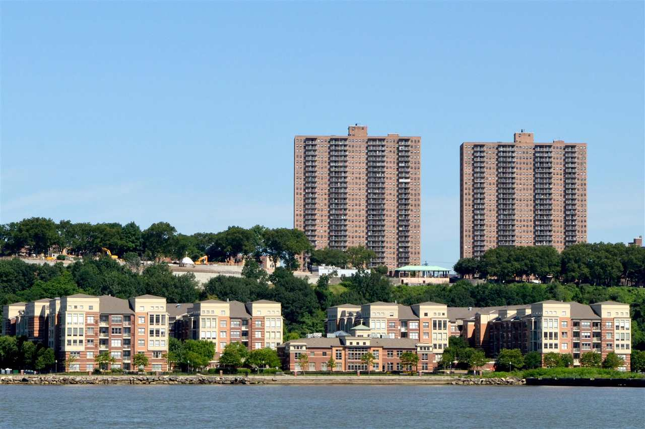 1200 AVENUE AT PORT IMPERIAL, Weehawken, NJ 07086