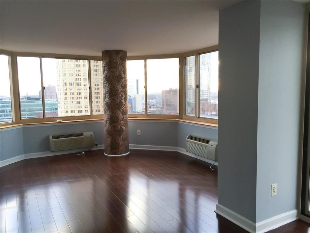 65 2ND ST 1901, JC, Downtown, NJ 07302