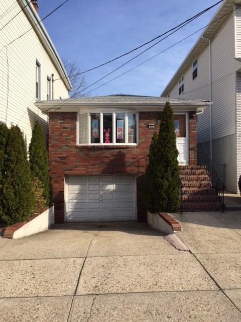 326 HAMILTON ST, Harrison, NJ 07029
