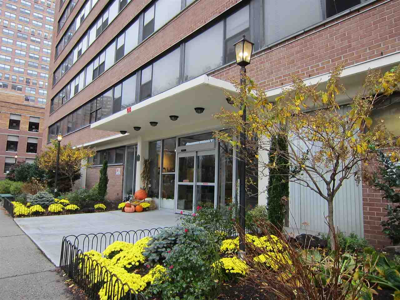 135 MONTGOMERY ST 10 H, JC, Downtown, NJ 07302